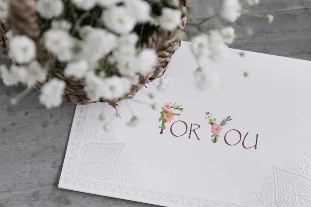 結婚1年目の紙婚式に、妻へおくる厳選プレゼント集